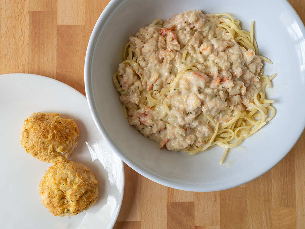 Red Lobster crab alfredo with biscuits