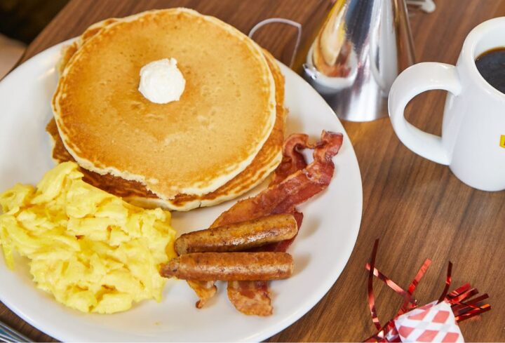 Denny's breakfast