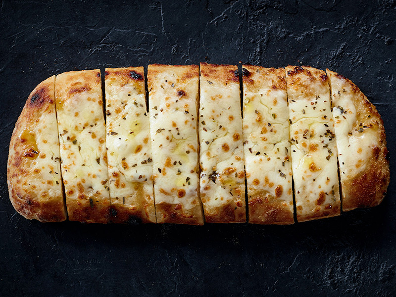 Blaze Pizza fires up new Cheesy Bread